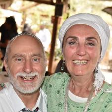חווית אירוח בוכרי בביתם של אברהם ושרה עם טעימות בירה בוטיק בכפר ורדים